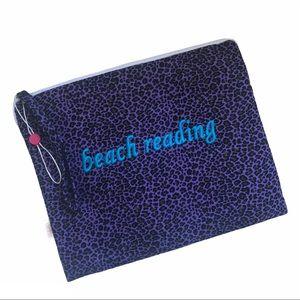 NWOT Tablet / e-reader / Book Protector